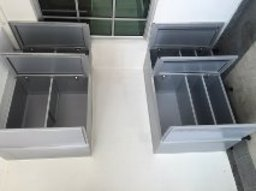 Thumb shoes cabinet