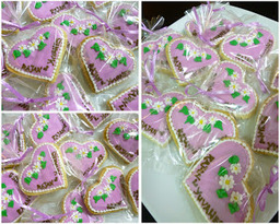 Thumb heart shape cookie wedding favor